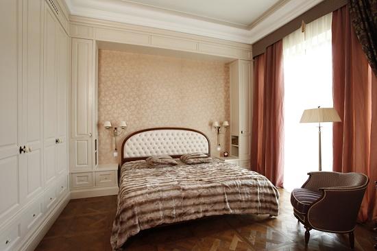 Расположение кровати по правилам фэн-шуй в спальне