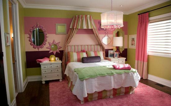 Комбинирование розового и оливкового цвета в дизайне спальни