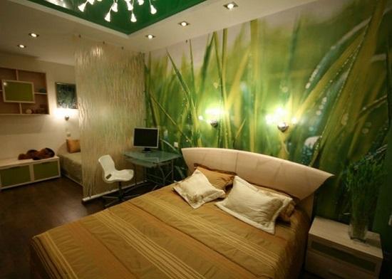 Отделка стены спальни красивыми фотообоями природной тематики