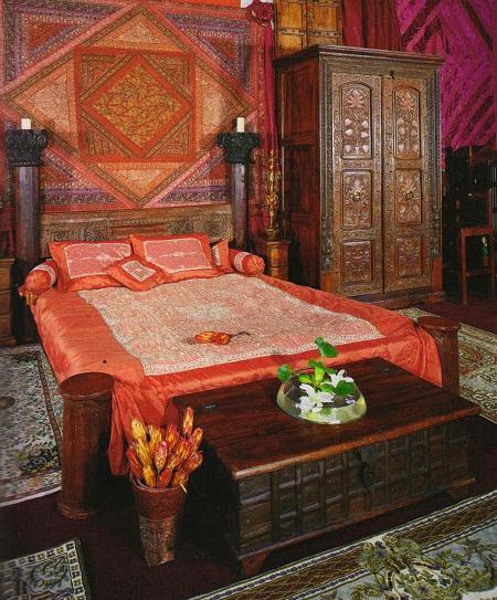 Резной шкаф для спальни в восточном стиле