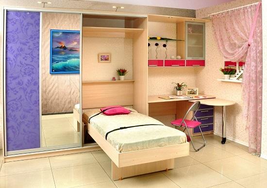 Установка стенки с откидной кроватью в спальне