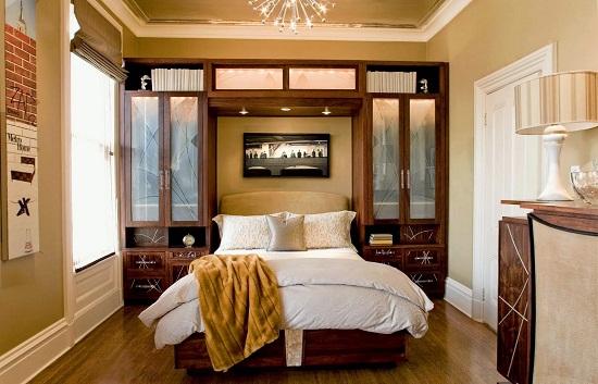Шкаф-кровать в планировке маленькой спальни