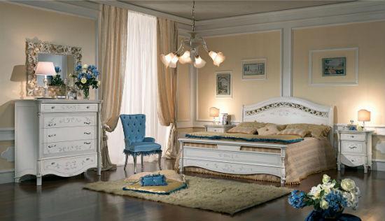 Белая классическая мебель в спальне итальянского стиля