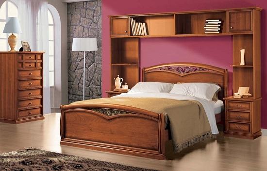 Мини-стенка со встроенной кроватью в маленькой спальне
