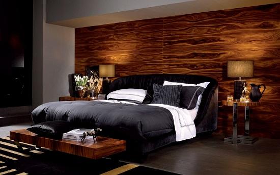 Обшивка стены спальни деревянными панелями