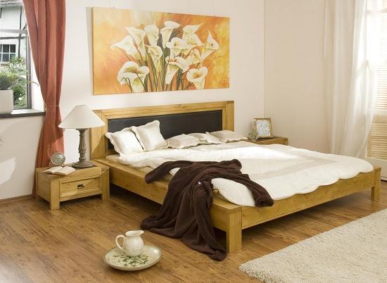 Художественная картина с каллами в спальне фен-шуй