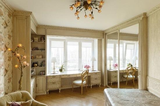 Встроенный стол-подоконник в спальне кабинете