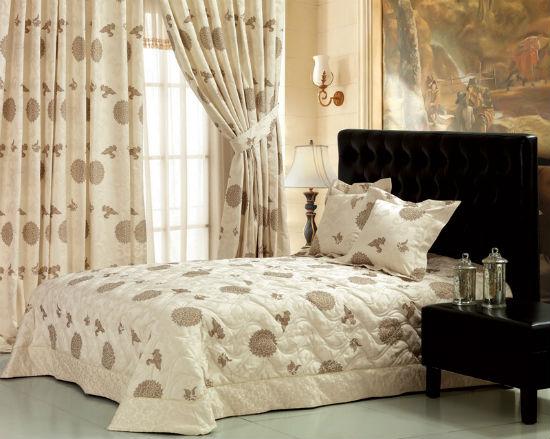 Выбор текстиля одной текстуры и расцветки для оформления интерьера спальни