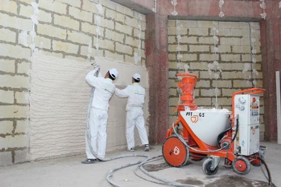 Машина для приготовления и нанесения на стены штукатурного раствора