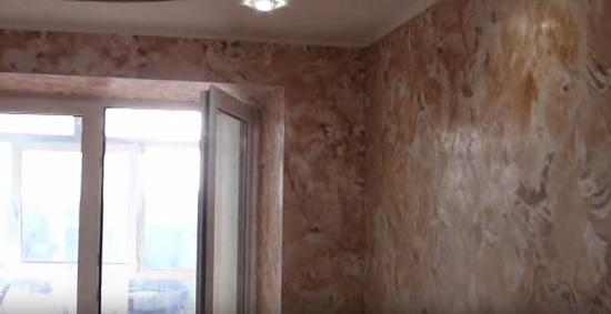 Готовая отшлифованная поверхность мраморной штукатурки на стенах