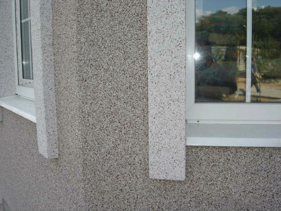 Двухцветная мозаичная штукатурка для внешней отделки дома
