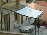 Опорная конструкция поликарбонатного навеса над террасой